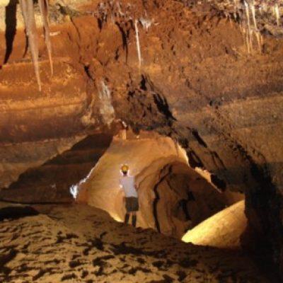 Logo de l'Expé Visite de la grotte Sainte-Anne à Tilff 2000